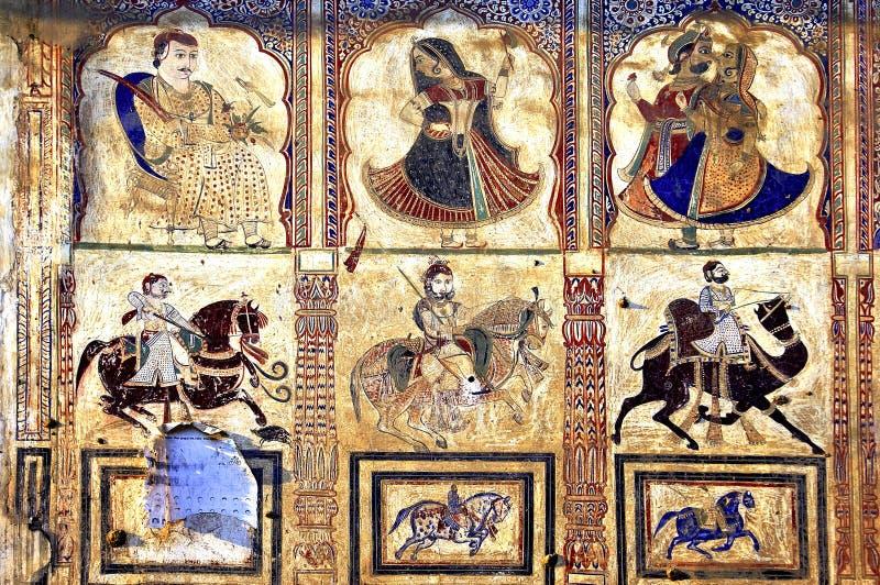 L'India, Mandawa: affreschi colourful sulle pareti immagini stock