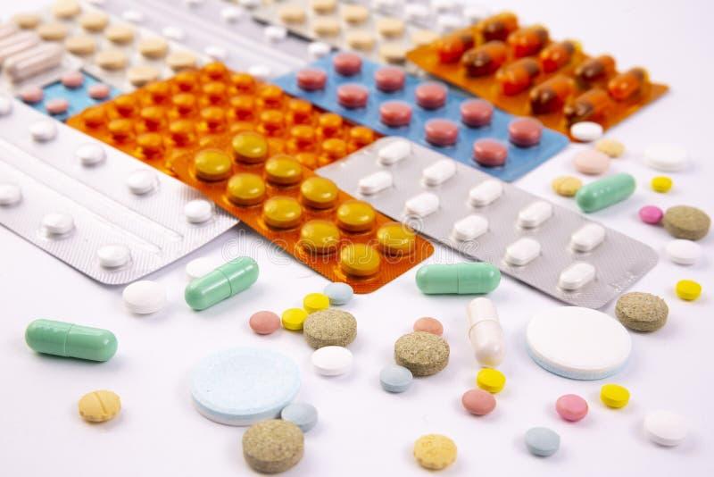 L'industrie pharmaceutique dope des vitamines de pilules images libres de droits