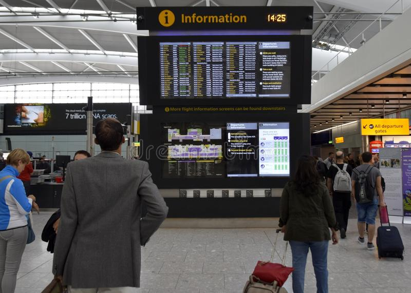 L'information Londres Heathrow de vol images libres de droits