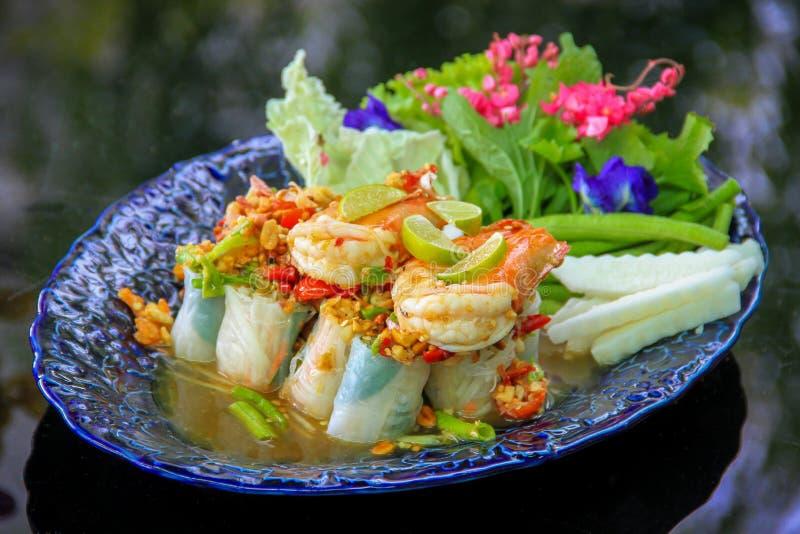 L'insalata vietnamita arriva a fiumi lo stile tailandese - pasto sano fotografie stock libere da diritti