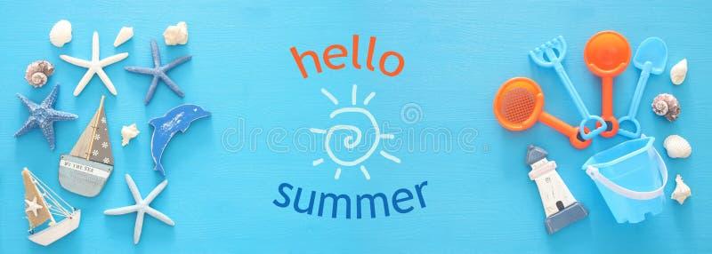 l'insegna dell'estate e di vacanza con gli oggetti e la spiaggia di stile di vita del mare gioca per il bambino fotografia stock libera da diritti