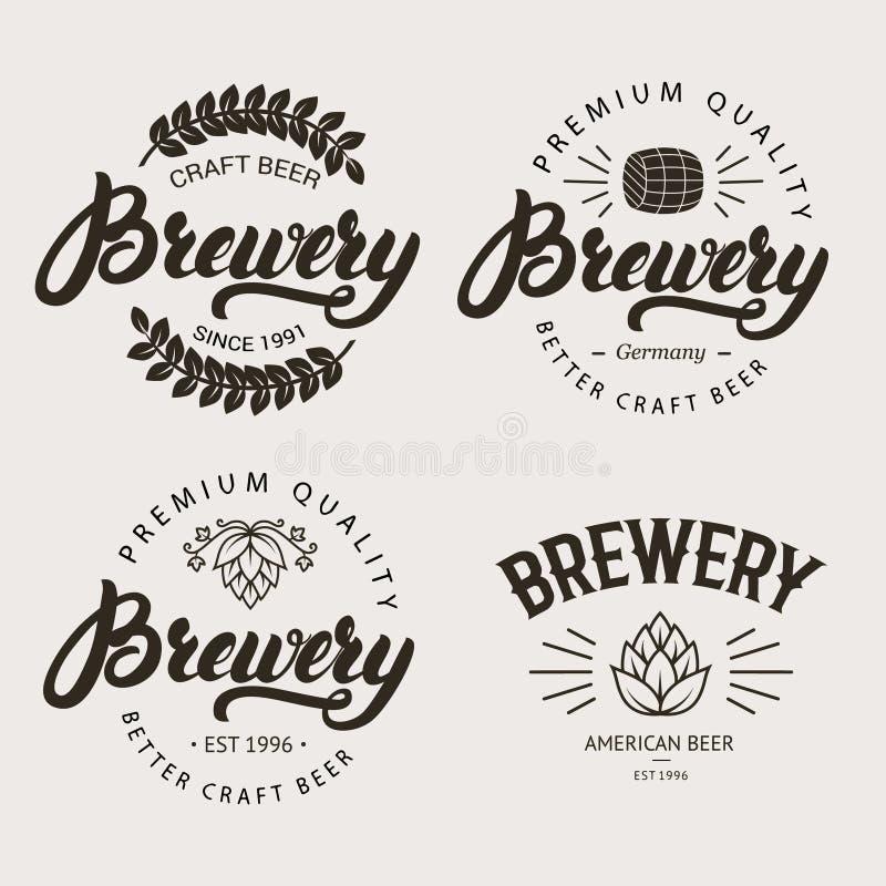 L'insieme del distintivo d'annata della fabbrica di birra, etichetta, modello di logo progetta illustrazione di stock