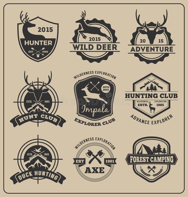 L'insieme di caccia animale monocromatica e l'avventura badge il logo illustrazione di stock