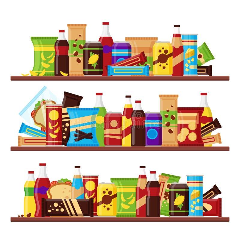 L'insieme di prodotto dello spuntino sugli scaffali, alimenti a rapida preparazione variopinti fa un spuntino il cioccolato matto fotografia stock