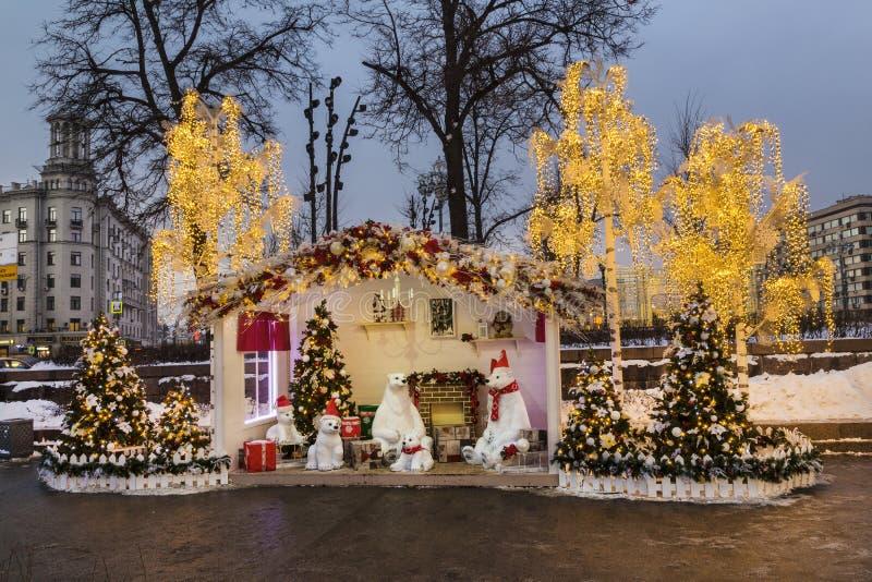 L'installation de nouvelle année sur la place de Pushkin à Moscou photos libres de droits