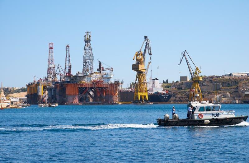L'installation noble de Paul Romano Oil dans les chantiers navaux de Palumbo, Malte photos libres de droits