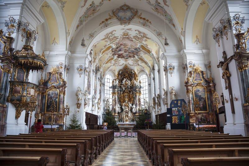 L'intérieur de l'église paroissiale de l'acceptation de Mary dans Schongau, Allemagne, photos stock