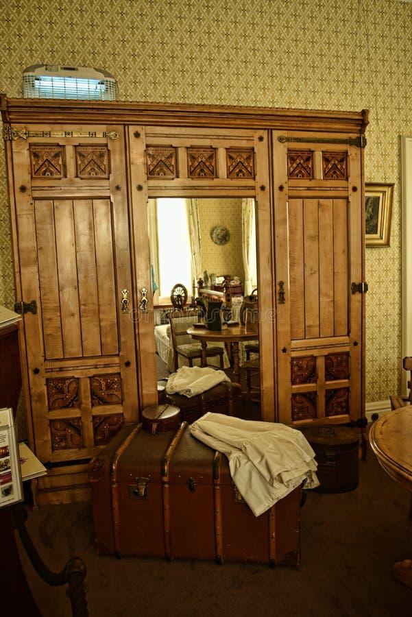 L'intérieur et l'art objecte à une belle maison de campagne près de Leeds West Yorkshire qui n'est pas une propriété de confiance photographie stock
