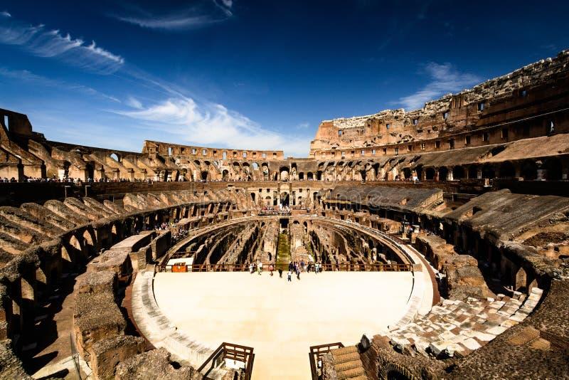 ? l'int?rieur du Colloseum, Rome, Italie images libres de droits