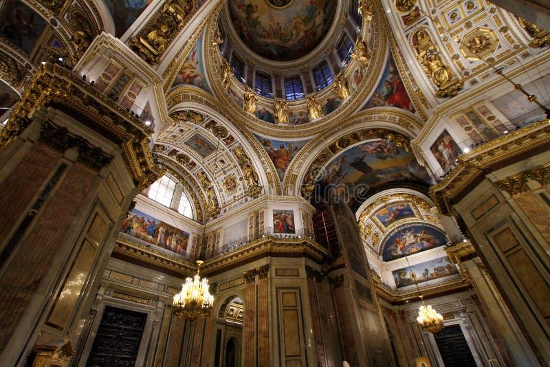 L'interno della cattedrale del ` s della st Isaac immagine stock