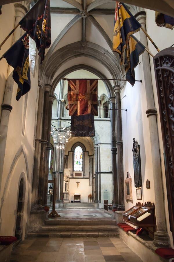 L'interno della cattedrale di Rochester è l'Inghilterra in secondo luogo più vecchia, essendo fondando in 604AD immagine stock