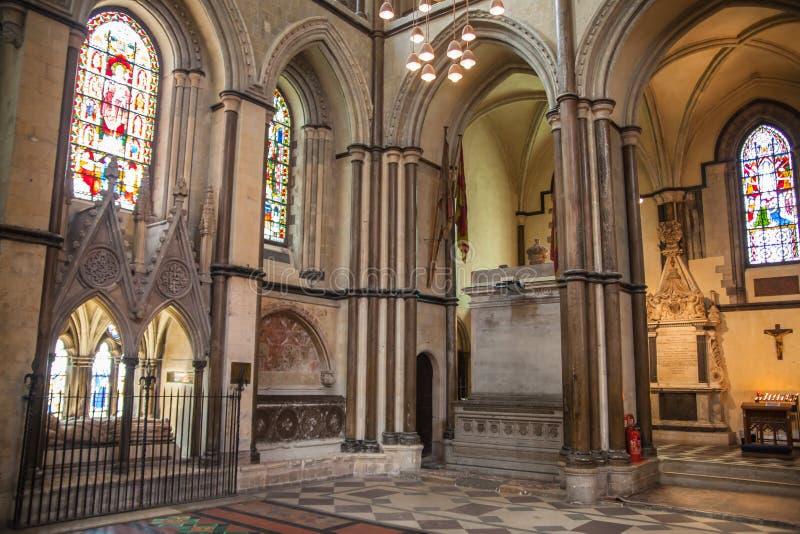 L'interno della cattedrale di Rochester è l'Inghilterra in secondo luogo più vecchia, essendo fondando in 604AD immagini stock