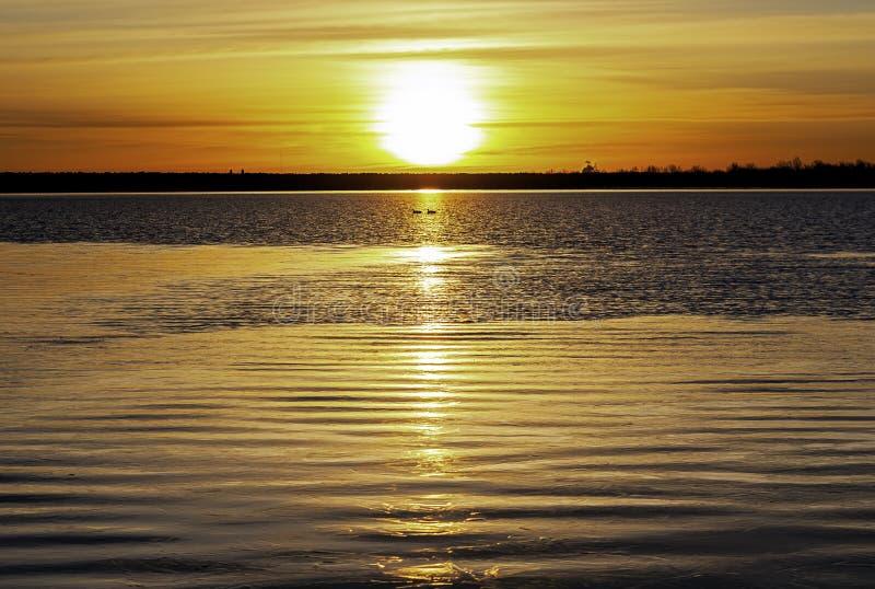 L'Inverno Sunrise Su Un Lago Calmo Colorado immagini stock