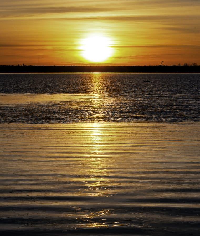 L'Inverno Sunrise Su Un Lago Calmo Colorado fotografia stock libera da diritti