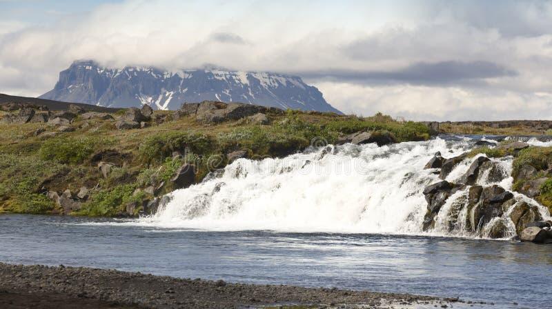 L'Islanda. Montagna di Herdubreid. Regione dell'altopiano. Strada F88. fotografia stock