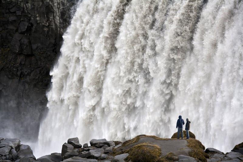 l'Islande - la cascade à écriture ligne par ligne de Dettifoss photographie stock libre de droits
