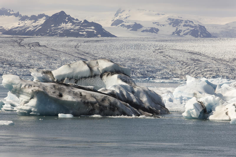 L'Islande. Secteur du sud-est. Jokulsarlon. Icebergs, lac et glacier images libres de droits