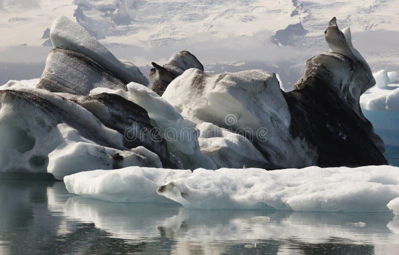 L'Islande. Secteur du sud-est. Jokulsarlon. Icebergs, lac et glacier photo stock