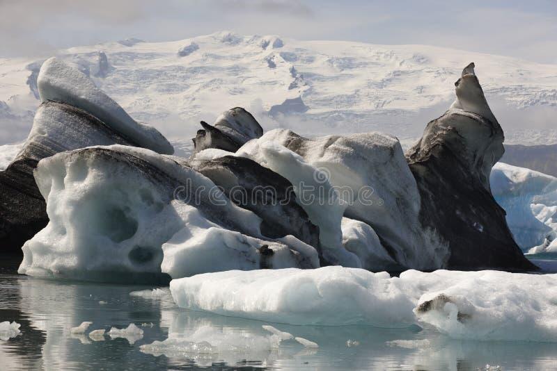 L'Islande. Secteur du sud-est. Jokulsarlon. Icebergs, lac et glacier images stock