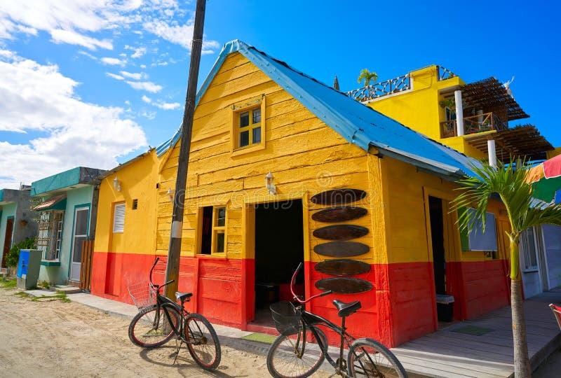 L'isola i Caraibi variopinti di Holbox alloggia il Messico fotografie stock