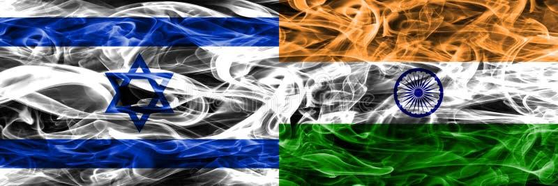 L'Israël contre des drapeaux de fumée d'Inde placés côte à côte Israélien et Ind illustration libre de droits