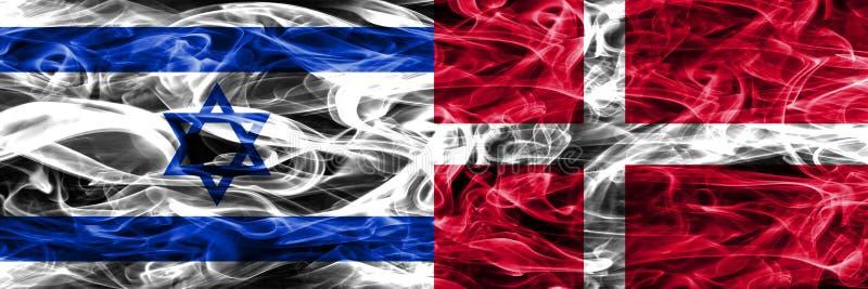 L'Israël contre des drapeaux de fumée du Danemark placés côte à côte Israélien et D illustration stock