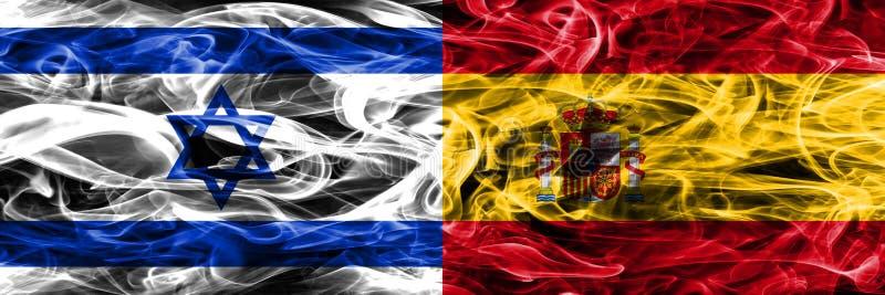 L'Israël contre des drapeaux de fumée de l'Espagne placés côte à côte Israélien et station thermale illustration libre de droits