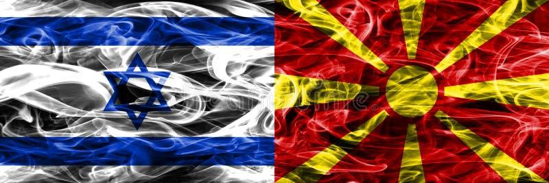 L'Israël contre des drapeaux de fumée de Macédoine placés côte à côte Israélien et illustration stock