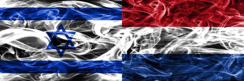 L'Israël contre les drapeaux néerlandais de fumée placés côte à côte Israélien a illustration de vecteur