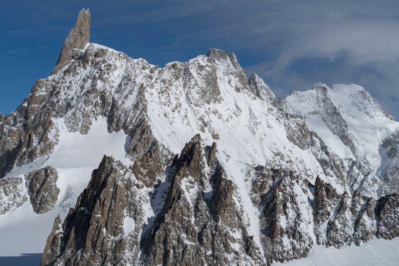 L'Italia, Courmayeur, gamma di Mont Blanc fotografie stock