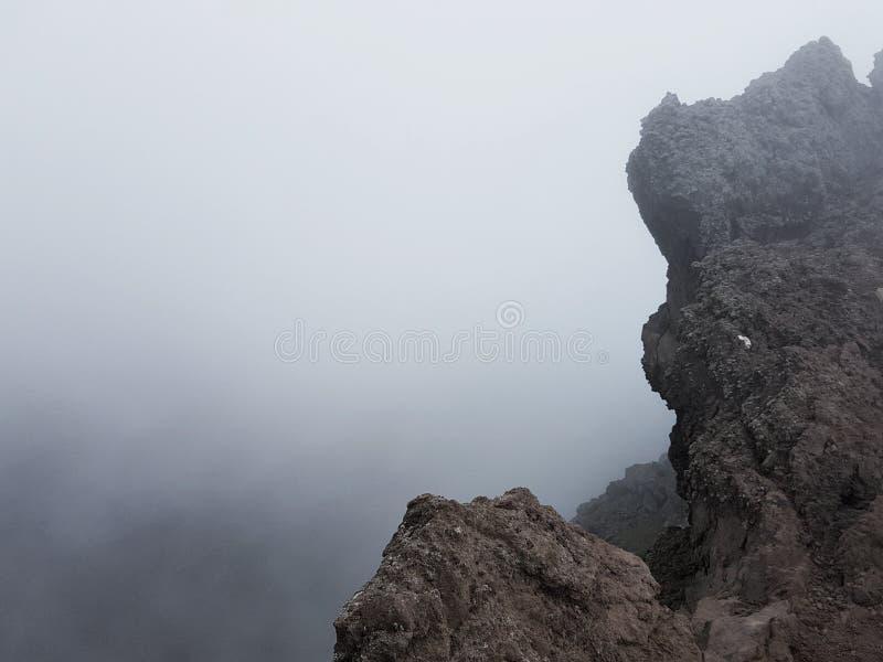 L'Italia del sud, sulla cima del Vesuviu - paesaggio fotografie stock