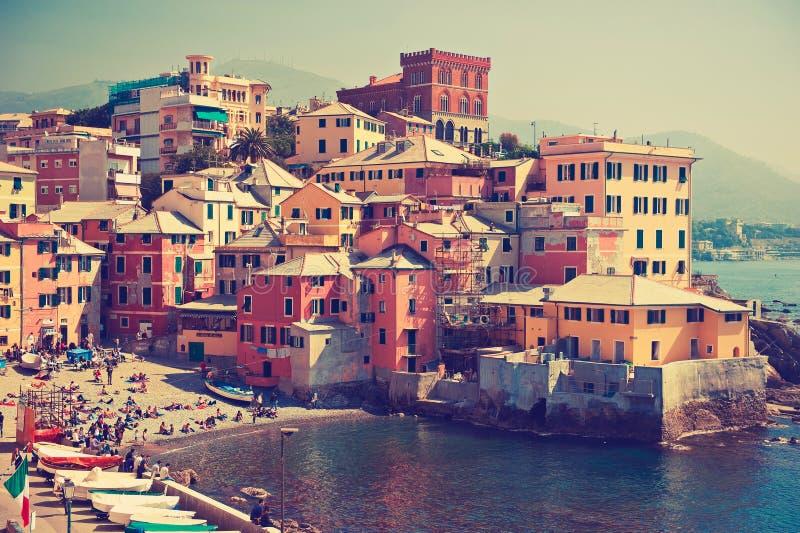 L'Italia, Genova Baia del mare nella città fotografie stock libere da diritti