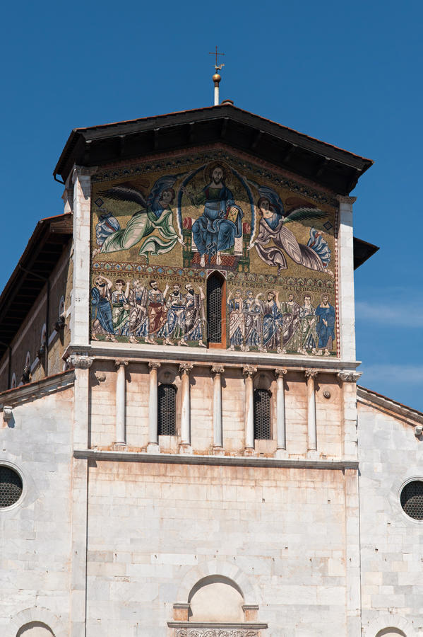 L'Italia, mosaico sulla facciata della st Frediano della basilica a Lucca fotografia stock libera da diritti