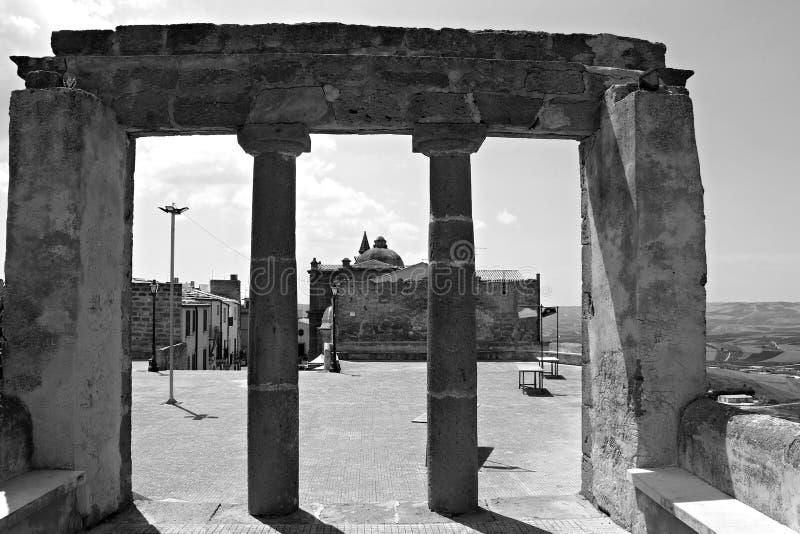 L'Italia, Sicilia: Le rovine di Sambuca fotografie stock