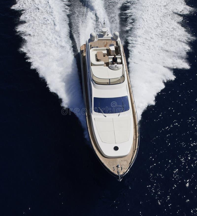 l'Italie, île de Panaresa, yacht de luxe photographie stock