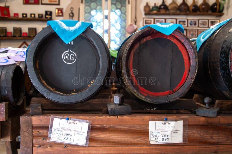L'Italie, Emilia Romagna, Modène, barils de vinaigre balsamique photo libre de droits