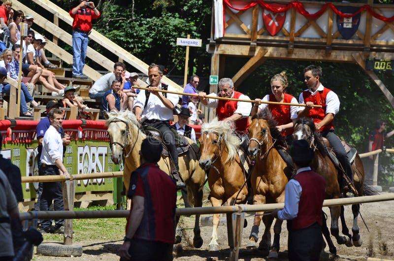 L'Italie, le Tirol du sud, événement d'équitation photos stock