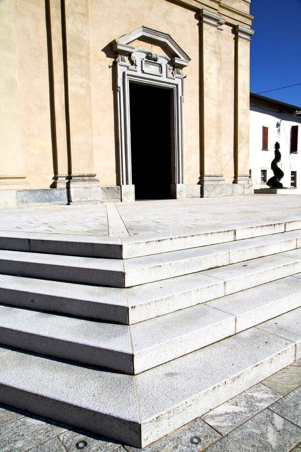 L'Italie Lombardie dans Cl d'église de sempione de casorate le vieux photos stock