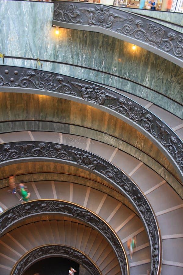 L'ITALIE. MUSÉE DE ROME VATICAN. ESCALIER DE DOUBLE HELICE images libres de droits