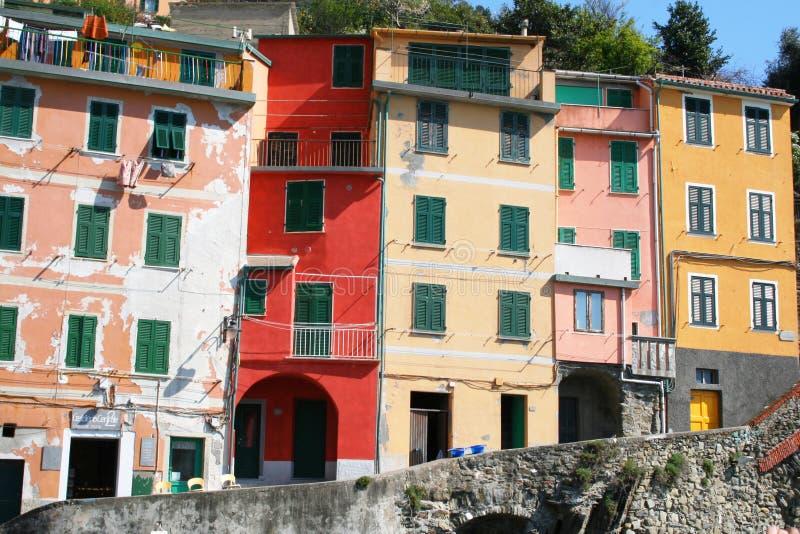 l'Italie. Région de Cinque Terre. Village de Riomaggiore images libres de droits