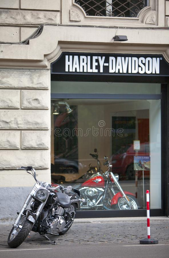 L'ITALIE, ROME 26 MAI 2011 : Harley Davidson Motorcycle Shop à Rome photo libre de droits