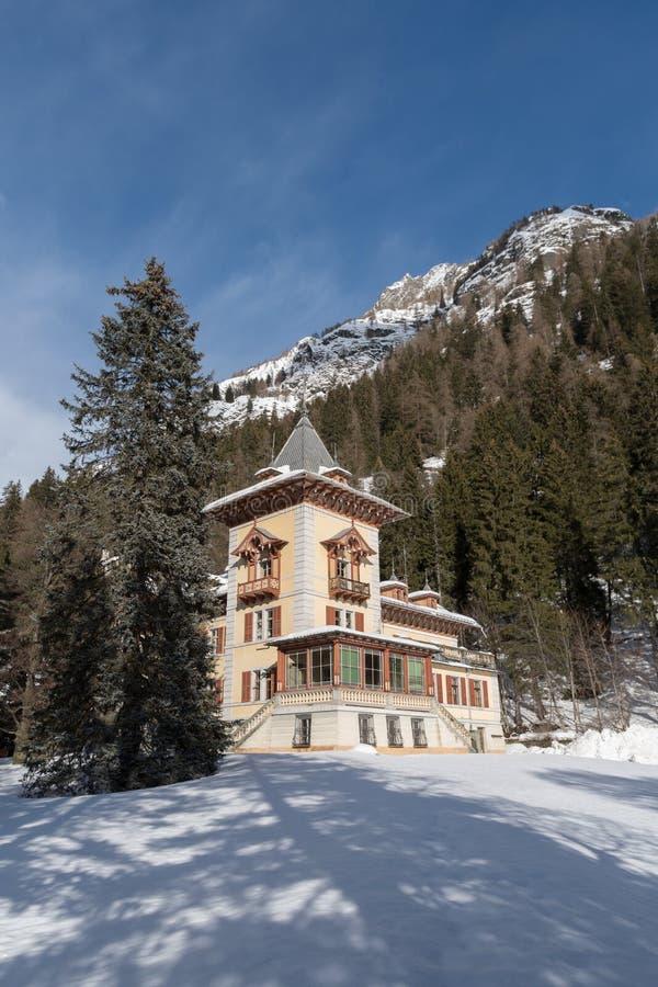 L'Italie, saint Jean, villa Margherita de Gressoney image libre de droits