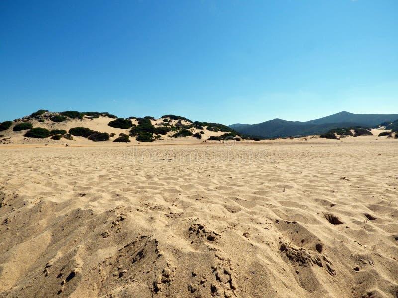 L'Italie, Sardaigne, la plage de Piscinas images libres de droits