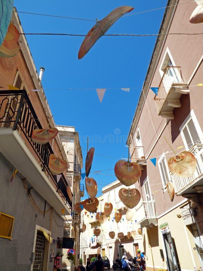 L'Italie, Sardaigne, vue des rues de ville de la ville de Sant Antioco photos libres de droits