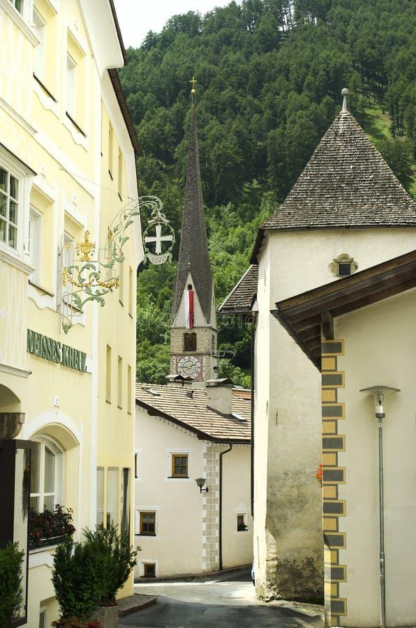 L'Italie, Tyrol du sud, village de Burgeis photographie stock libre de droits