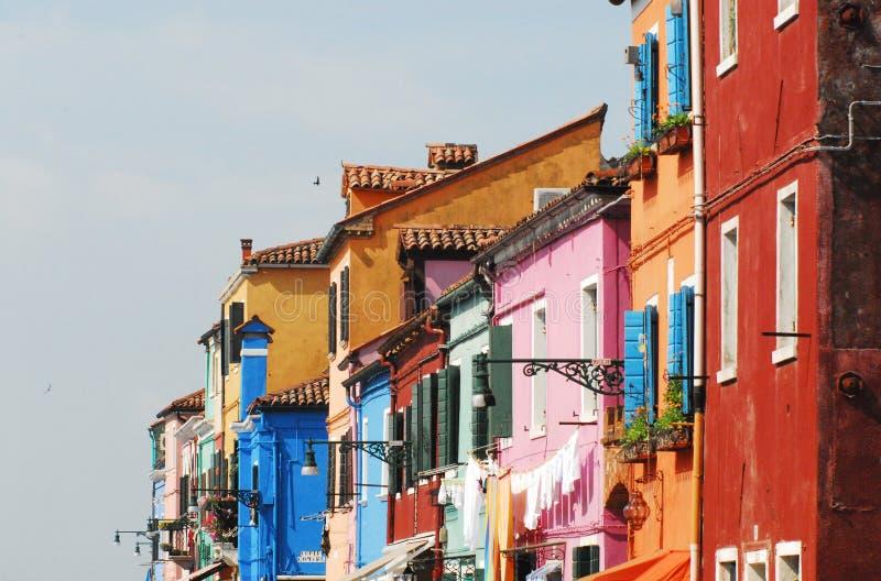 L'Italie Venise Burano- les bâtiments célèbre colorés image libre de droits