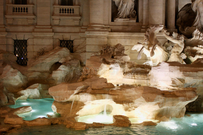 L'Italien de fontaine de TREVI : Fontana di Trevi à Rome, Italie photographie stock