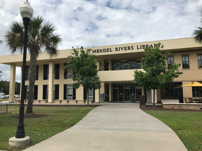 L Mendel Rivers Library op de Campus van Charleston Southern University stock afbeeldingen