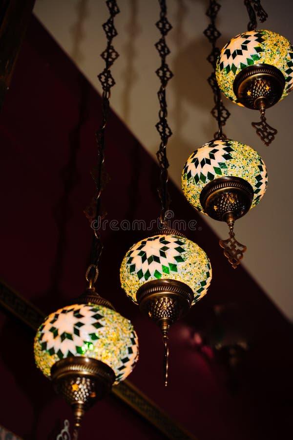 L?mpadas do otomano do mosaico do bazar grande imagem de stock