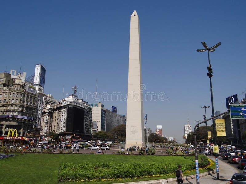 L'Obelisco De Buenos Aires est des monumen historiques nationaux photographie stock libre de droits